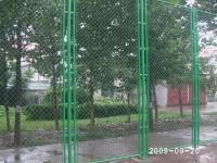 包塑胶球场挡网